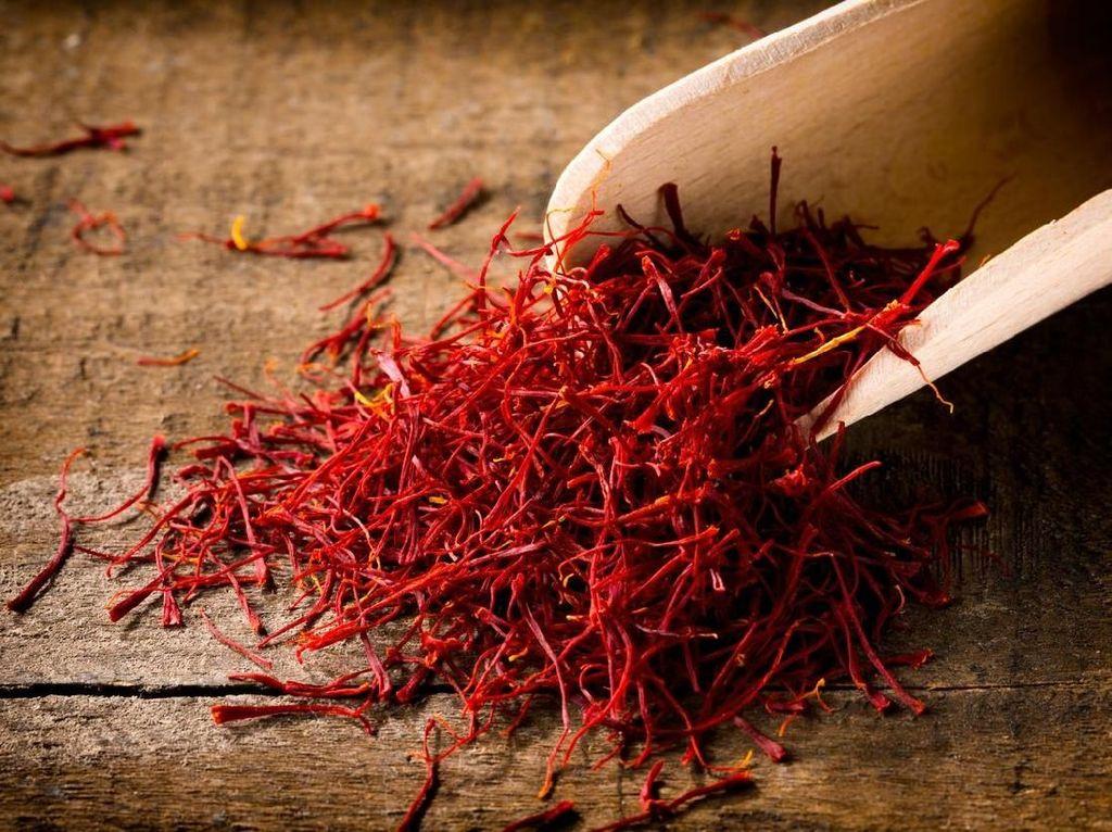 Ini Cara dan Aturan Minum Saffron yang Lagi Jadi Gaya Hidup Kekinian