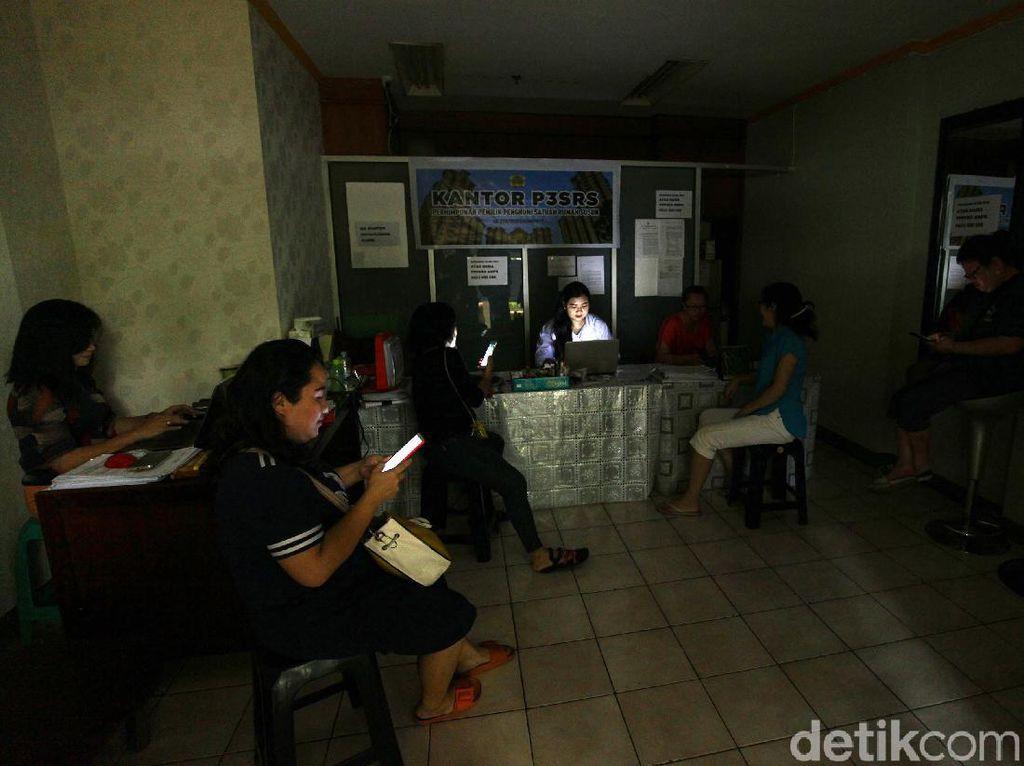 Listrik Padam Gara-gara Banjir Sisa 177 Pelanggan