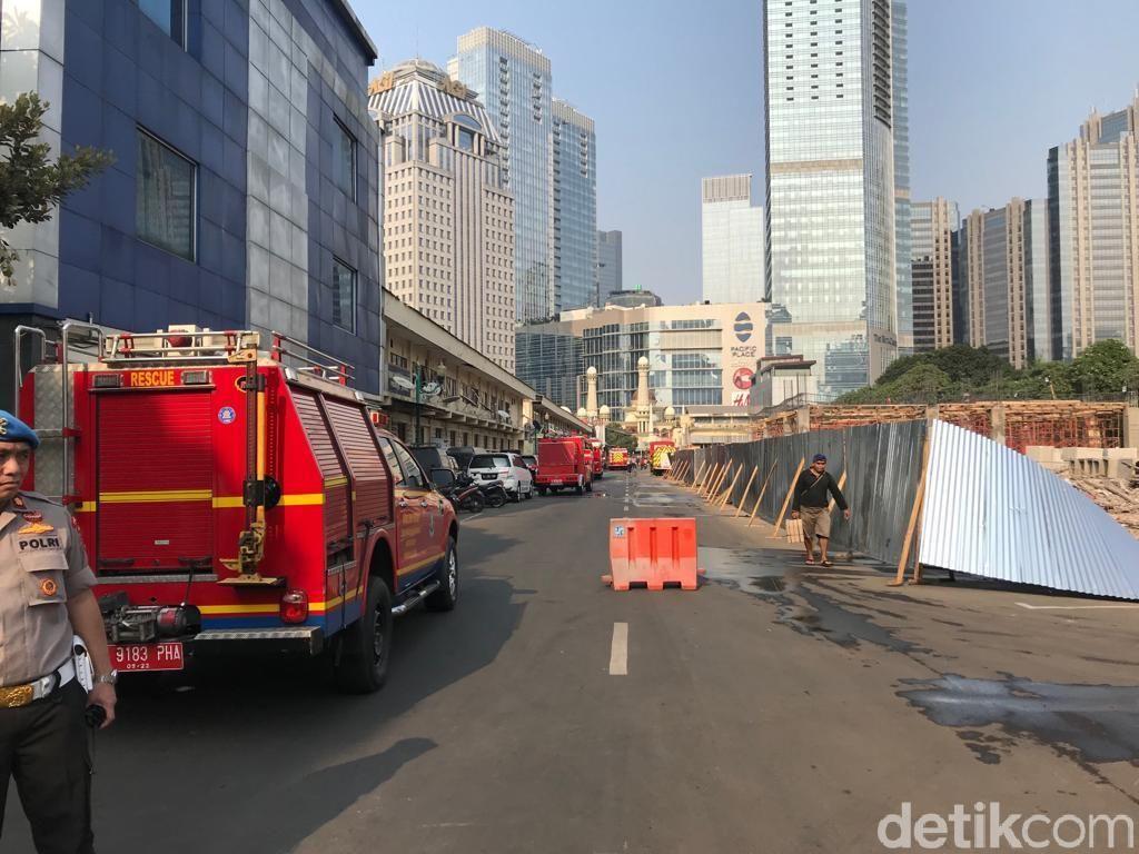 Imbas Kebakaran Ruang Bawah Tanah Polda, Area Sekitar Gedung Disterilkan