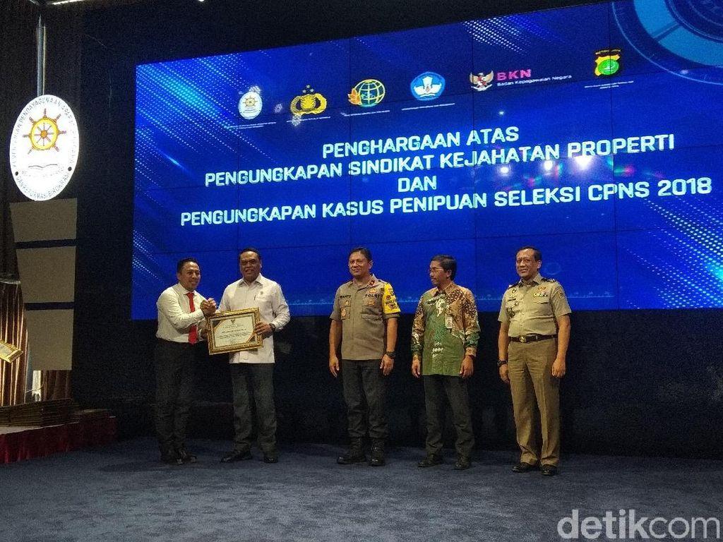 Ungkap Kasus Calo CPNS, 36 Polisi Diganjar Penghargaan dari MenPAN-RB