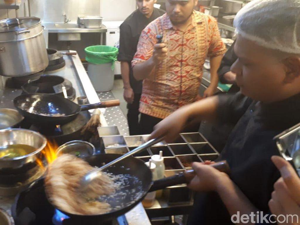 Bertemu Nasi Goreng Hingga Pepes Tahu di Restoran India