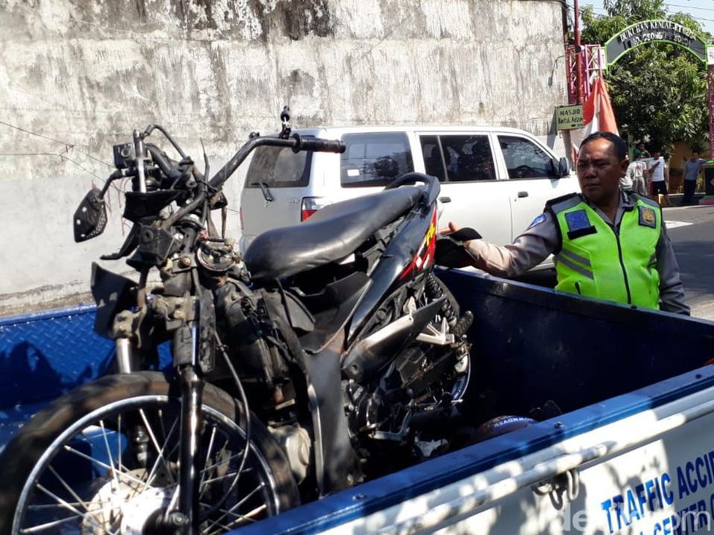 Kecelakaan Motor Vs Truk di Solo, Dua Orang Tewas