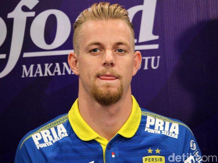 Kevin van Kippersluis membuka peluang tetap bermain di Indonesia. (Foto: Wisma Putra/detikcom)