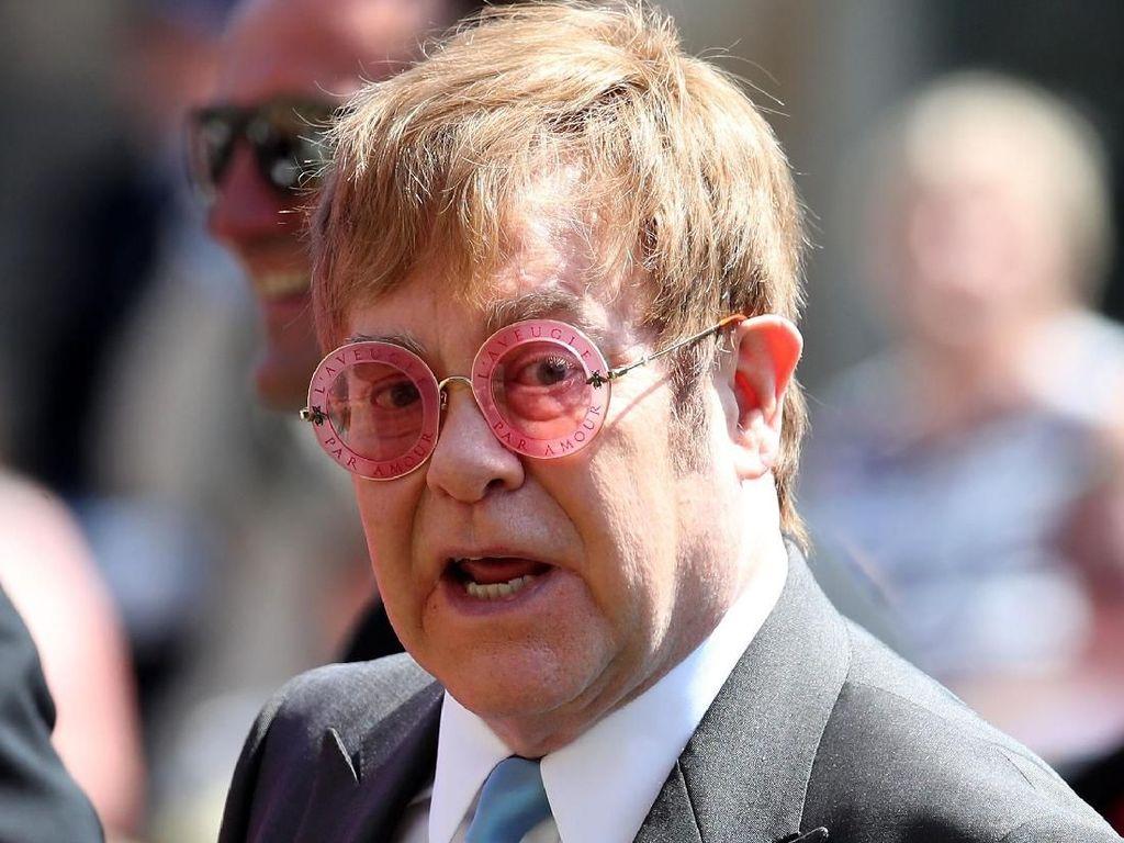 Elton John Rilis Lagu Baru dari Karya Lamanya