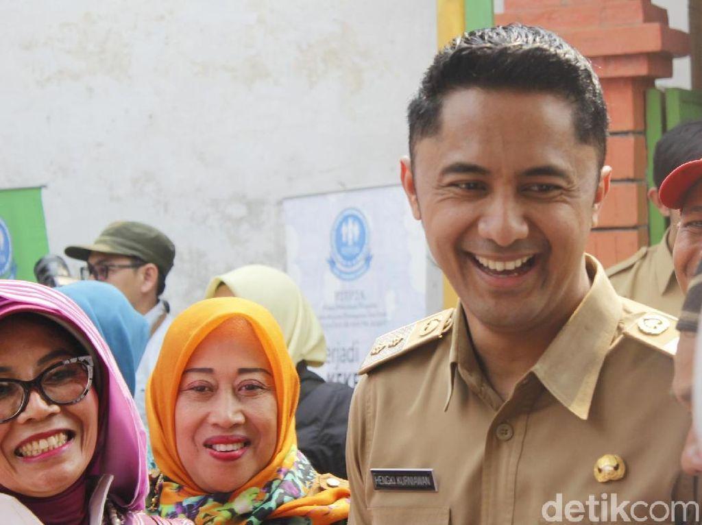 Pria Bawa Piton Teror Kadis PUPR, Wabup Hengky: Proses Hukum!