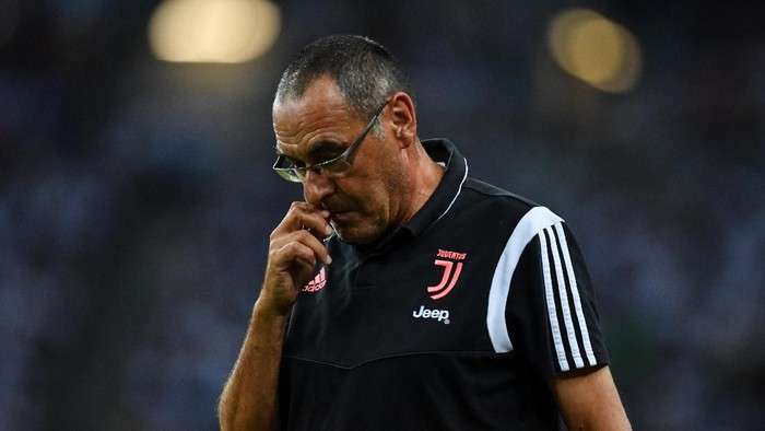 SINGAPORE, SINGAPORE - JULY 21: Head coach Maurizio Sarri of Juventus is seen during the International Champions Cup match between Juventus and Tottenham Hotspur at the Singapore National Stadium on July 21, 2019 in Singapore. (Photo by Thananuwat Srirasant/Getty Images)