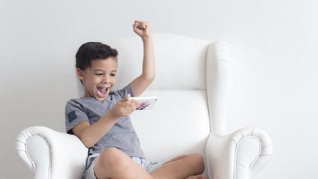 Ilustrasi anak bermain game online