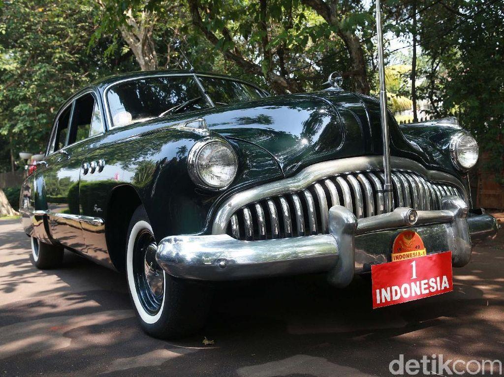 Cerita Mobil-mobil Dinas Sukarno yang Hampir Dijual ke Luar Negeri