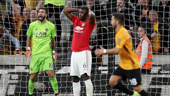 Paul Pogba gagal mengeksekusi penalti. (Foto: Carl Recine/Reuters)