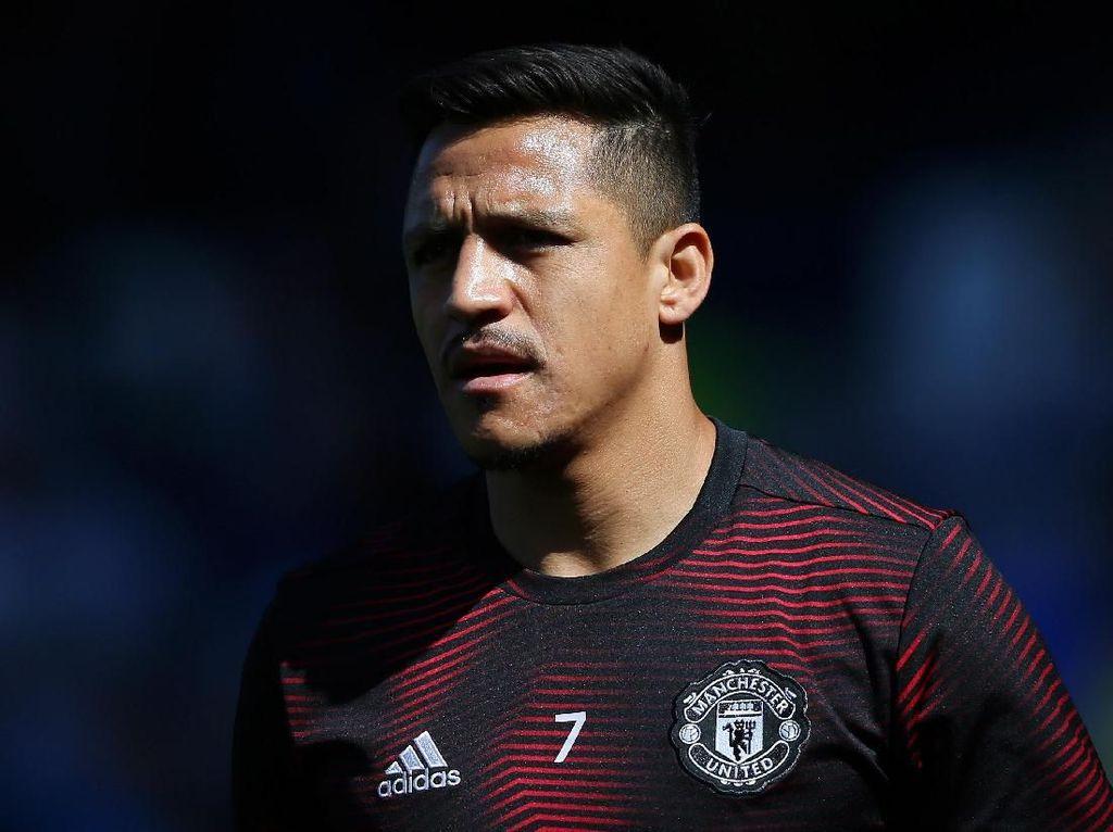 Martial Cedera, Alexis Sanchez Batal Tinggalkan MU?