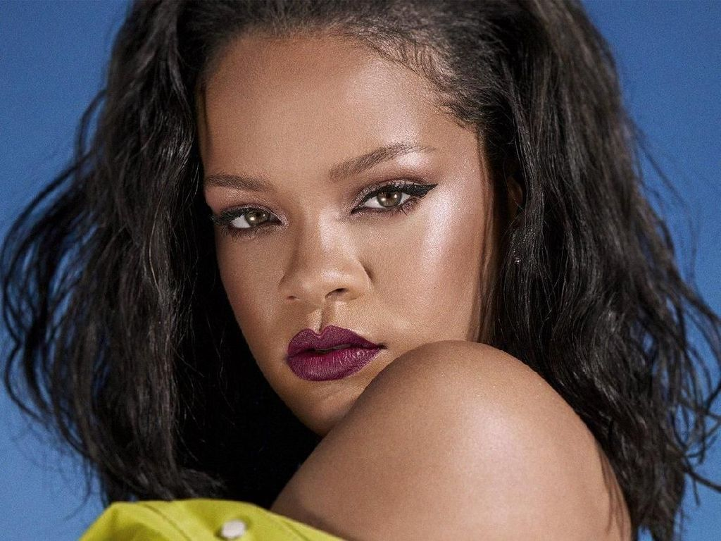 Rihanna Rilis Otobiografi Visual, Ada 1.000 Jepretan Foto Dirinya
