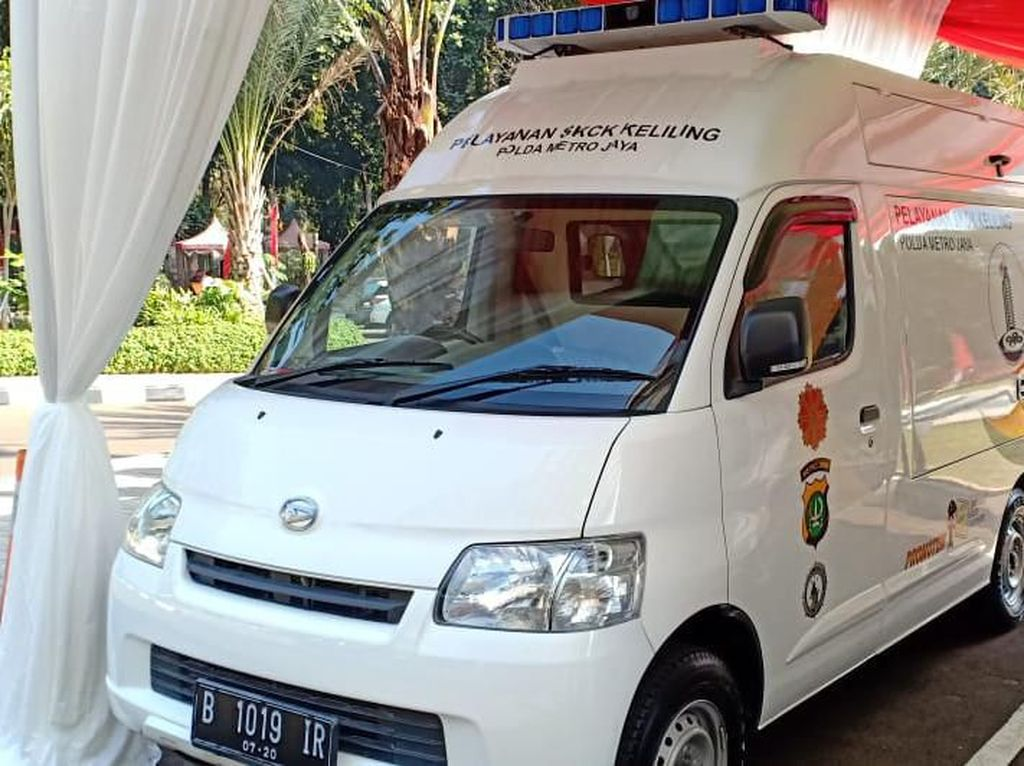 Polda Metro Jaya Luncurkan Mobil SKCK Online Keliling