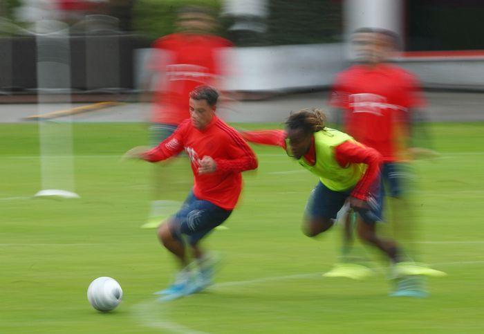 Philippe Coutinho meninggalkan Barcelona untuk bergabung dengan Bayern Munich.