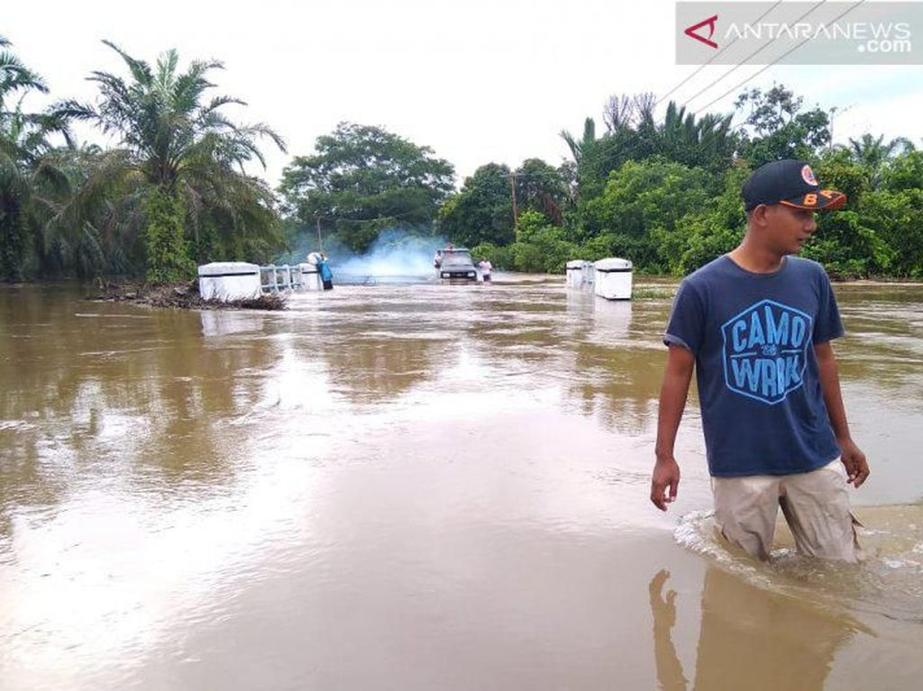Banjir Landa Pasaman Barat Sumbar