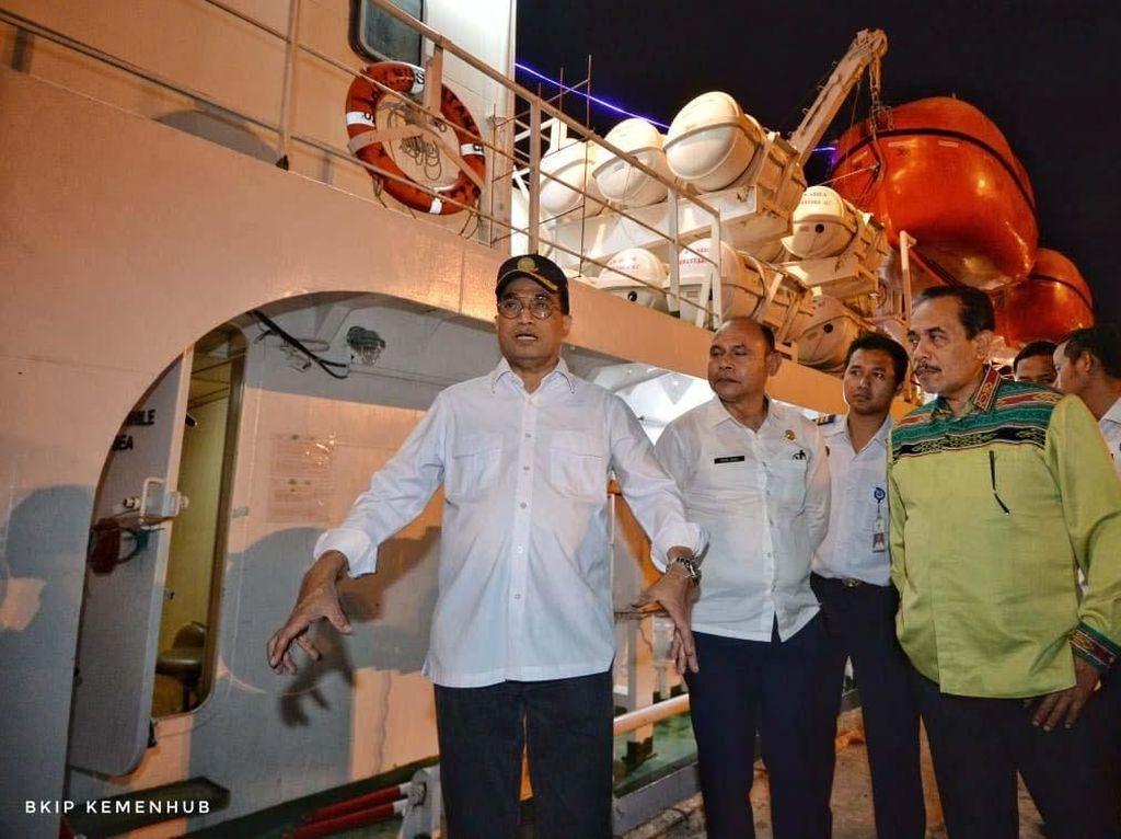Menhub Cek Pelabuhan Tenau-Kupang Jelang Kedatangan Jokowi