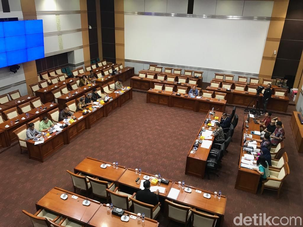 Rapat dengan Komisi I DPR, Imparsial Anggap RUU Bela Negara Problematik