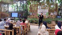 Pegawai Saung Angklung Udjo Bandung Kini Jadi Pedagang-Bertani
