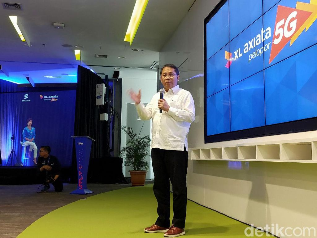 Menteri Rudiantara Menjajal Layanan 5G XL Axiata