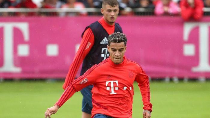 Kondisi Philippe Coutinho tidak fit untuk laga Schalke vs Bayern Munich (Foto: Michael Dalder/Reuters)