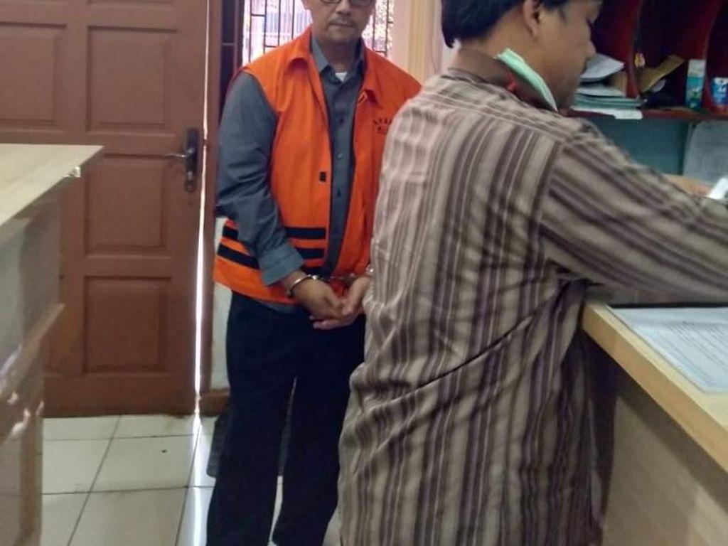 Vonis Inkrah, 2 Eks Pejabat Kemenag Penyuap Rommy Dieksekusi KPK