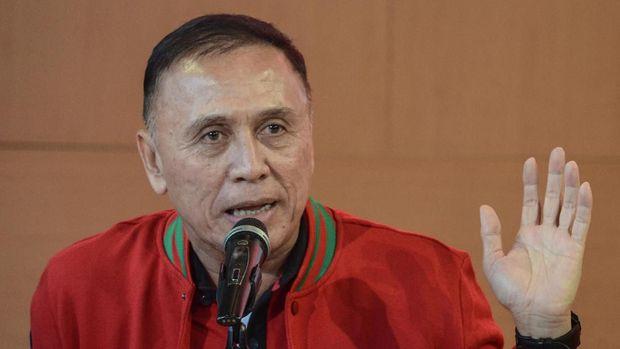 Iwan Bule terpilih menjadi Ketua Umum PSSI dengan mendapat dukungan 82 suara dari 86 voter di Kongres PSSI. (