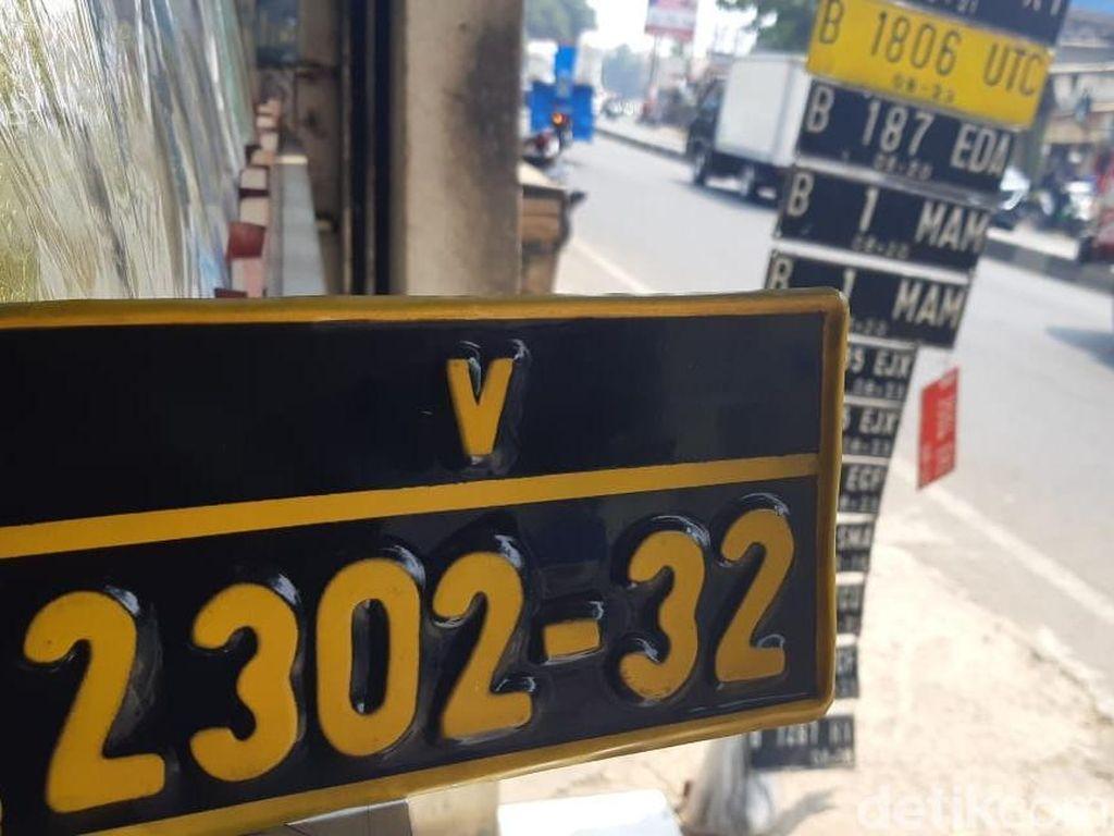 Pelanggan Nopol Terbitan Pinggir Jalan Tak Hanya Warga Sipil!