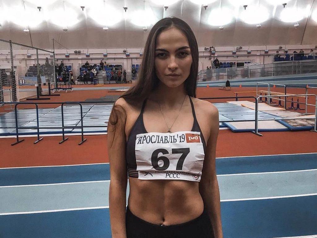 Atlet Cantik Rusia Meninggal di Pinggir Jalan Saat Latihan
