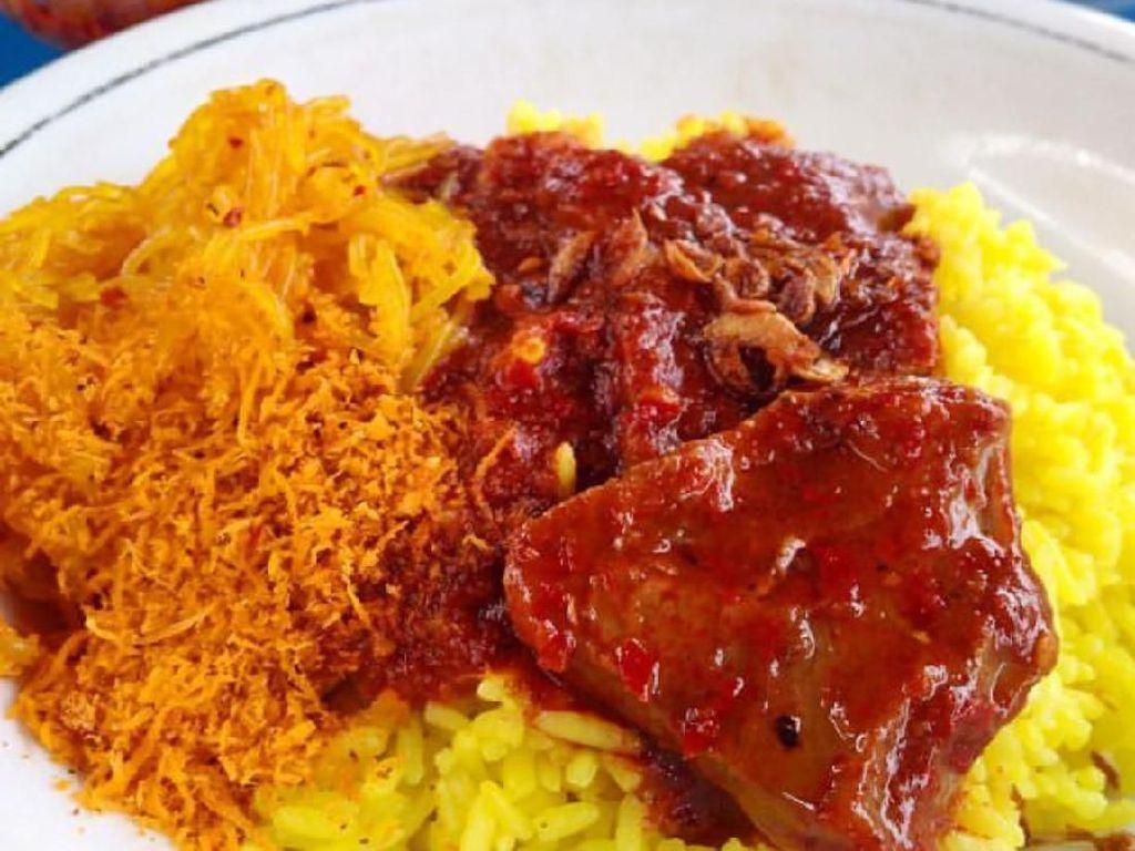 Ayo Sarapan Dengan si Kuning Merah Menggoda, Nasi Kuning Samarinda!