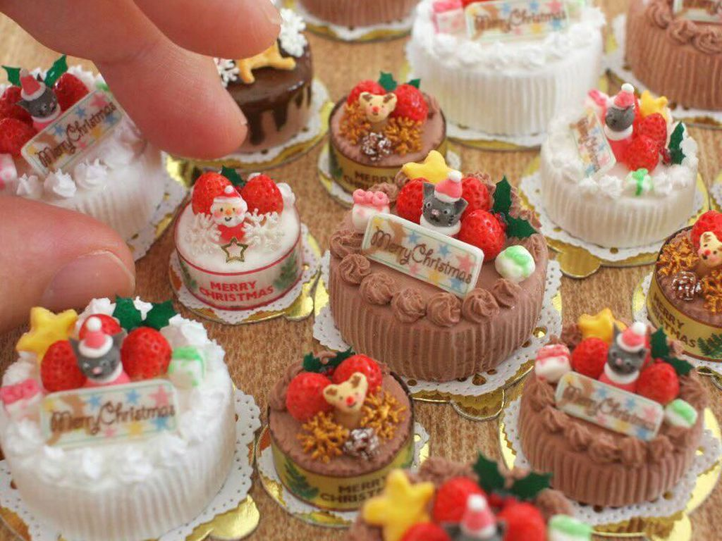 Mungil Banget! Seniman Ini Bikin Miniatur Makanan yang Mirip Aslinya