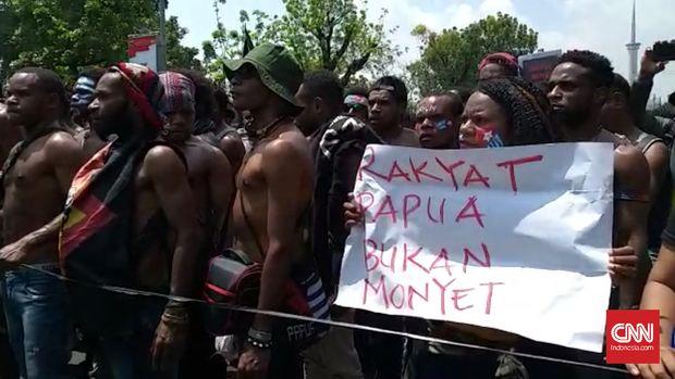 Risau Kelompok Muda di Antara Rusuh Papua
