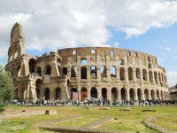 Coloseum, jadi salah satu 7 keajaiban di dunia.