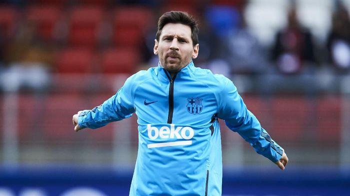 Lionel Messi masih akan absen di laga Barcelona vs Valencia (Foto: Juan Manuel Serrano Arce/Getty Images)