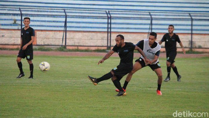 Anis Naba, pemain Persela Lamongan yang dipinjamkan ke Sriwijaya FC. (Foto: Eko Sudjarwo/detikcom)