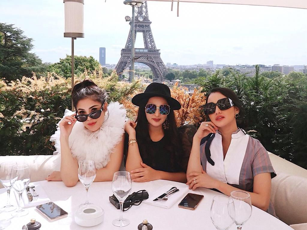 Gaya Mewah Nindy Girls Day Out Bareng Ashanty dan Ririn Ekawati di Paris