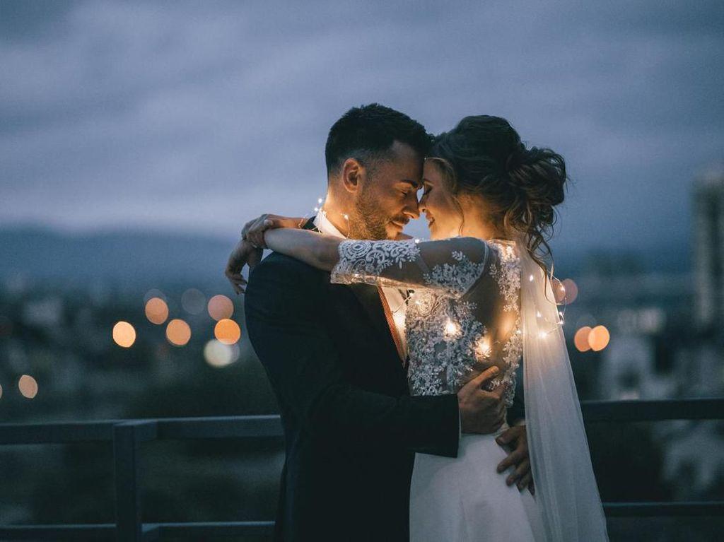 Cerita Viral 10 Pasangan yang Bertemu Jodoh Lewat Medsos Ini Bikin Senyum