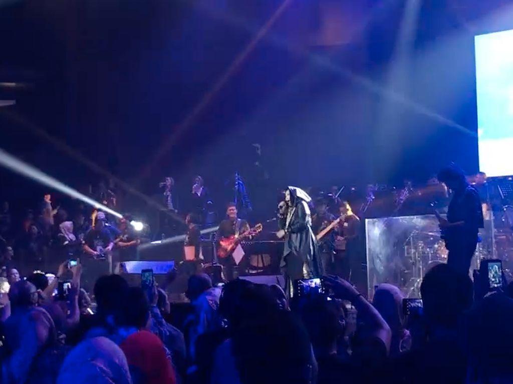 Konser Nicky Astria Sukses Bikin Nicky Fam Nostalgia Bareng