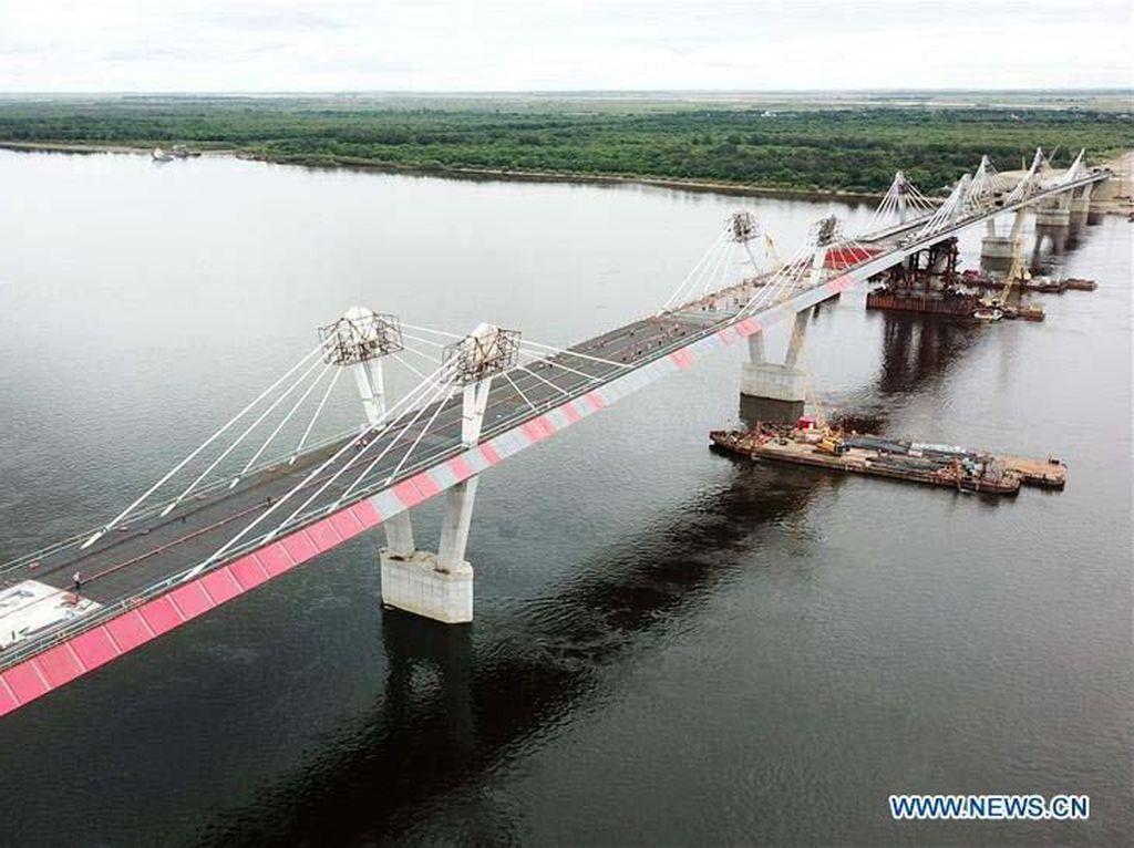 Mengintip Jembatan Penghubung China-Rusia yang Hampir Jadi