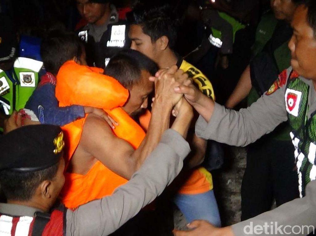 KNKT Terus Cari Bukti Awal Penyebab Kebakaran KM Santika Nusantara