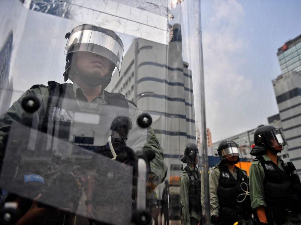 Meski Hamil, Polisi Wanita Ini Tetap Bekerja di Tengah Pandemi Corona