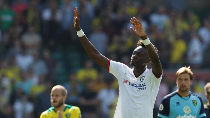 Pemain Chelsea, Tammy Abraham, menyumbangkan dua gol kemenangan atas Norwich City. (Foto: John Sibley/Action Images via Reuters)