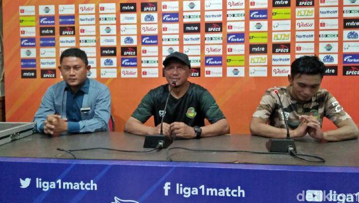 Rahmad Darmawan, pelatih Tira Persikabo (tengah)  (Eko Sudjarwo/detikSport)