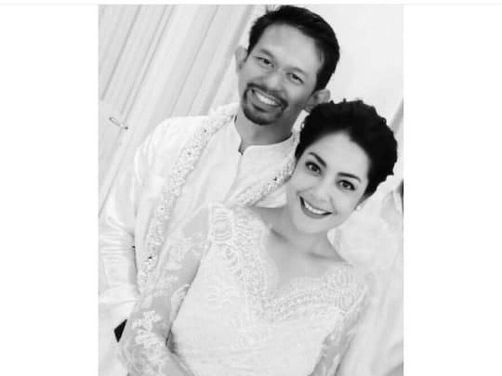 Pajang Foto Kenakan Gaun, Lulu Tobing Resmi Menikah Lagi