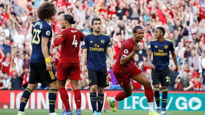 Liverpool unggul 1-0 atas Arsenal di babak pertama (Foto: Phil Noble/Reuters)