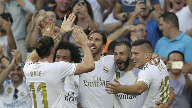Zinedine Zidane belum puas dengan performa lini serang Real Madrid.