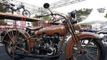 Motor dan Mobil Antik Serbu Yogyakarta