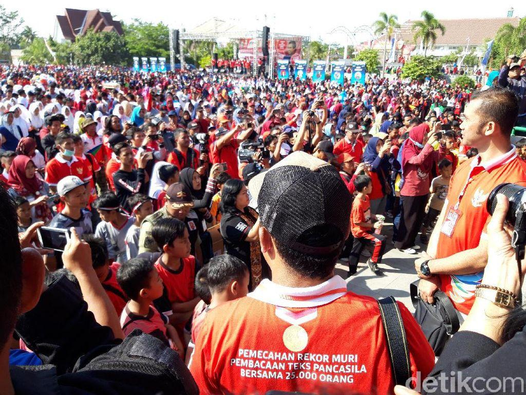 Bikin Merinding, 37.449 Orang Serempak Baca Teks Pancasila di Boyolali