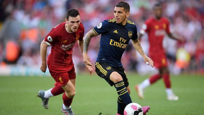 Meski menang atas Arsenal, Liverpool lagi-lagi kebobolan (Foto: Laurence Griffiths/Getty Images)