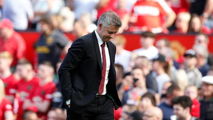 Ole Gunnar Solskjaer menilai Manchester United tak tajam dan kebobolan gol mudah saay kalah 1-2 dari Crystal Palace. (Foto: Andrew Yates/Reuters)