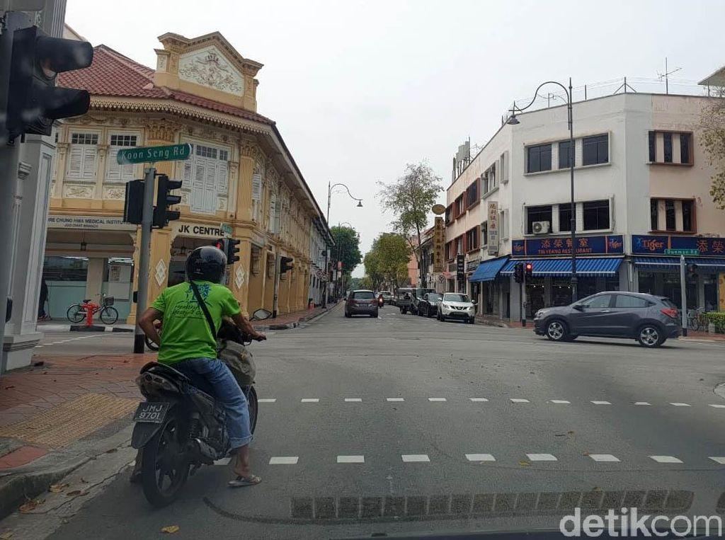 Tak Hanya Mobil Tua, Motor 2 Tak Pun Dibasmi Pemerintah Singapura