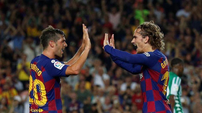 Barcelona kalahkan Real Betis 5-2 berkat sepasang gol Antoine Griezmann (Albert Gea/REUTERS)